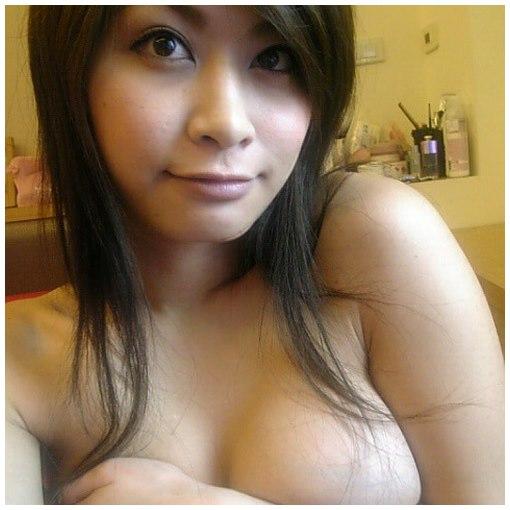 Rencontre une belle transsexuelle asiatique aux gros seins à Lille